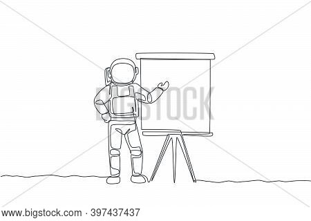 Single Continuous Line Drawing Of Astronaut Giving Business Presentation In Company Meeting. Busines
