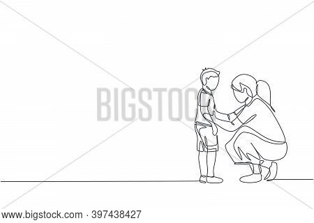 One Continuous Line Drawing Of Young Mother Giving Some Wise Advice Talk To Her Son At Home, Family