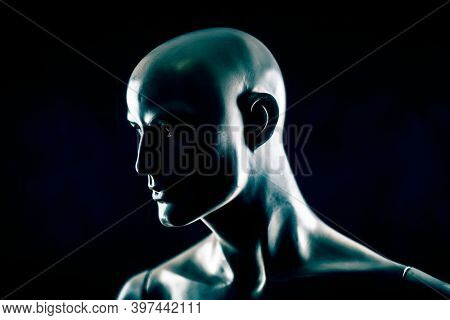 Scary mannequin head in the dark