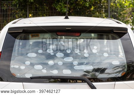 Bubble Formed On Car Rear Glass Wind Screen Tint Film Suggest Inferior Quality