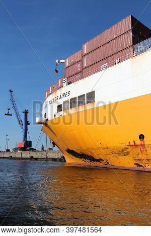 Hamburg, Germany - August 28, 2014: Grande Buenos Aires Of Grimaldi Lines Is Loaded In Port Of Hambu