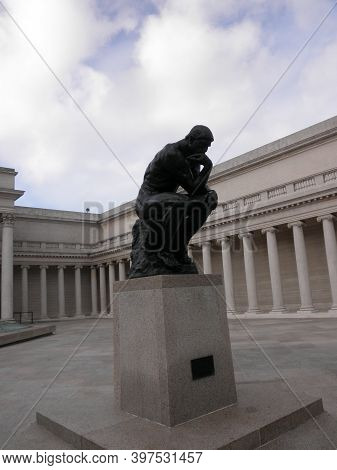 San Francisco - November 5, 2009: Profile Of The Masterpiece The Thinker By Rodin - The Thinker At T
