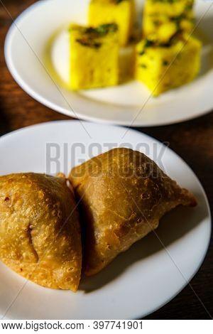 Indian Lamb Kheema Samosa Crispy Turnover Appetizer