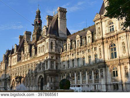 Paris, France. August 12, 2019. Sunset View Of Hotel De Ville Or Paris City Hall, Located At The Pla