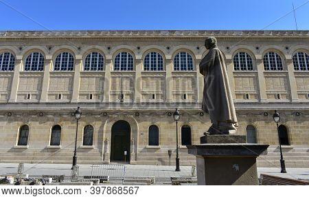 Paris, France. August 14, 2019. La Sorbonne Or University Of Paris Bibliotheque Sainte-genevieve Bui