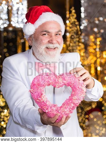Charity And Kindness. Santa Claus. Mature Man With White Beard. Christmas Eve. Lovely Greetings. Sen