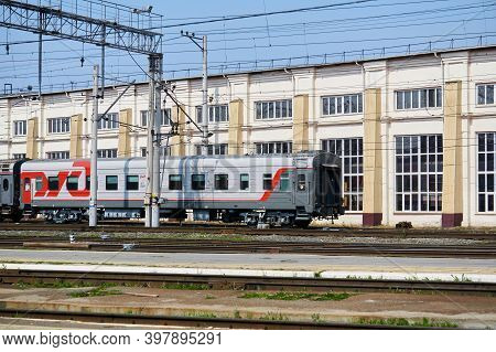 Perm, Russia - August 07, 2020: Passenger Cars On Shunting Tracks Against The Background Of The Depo
