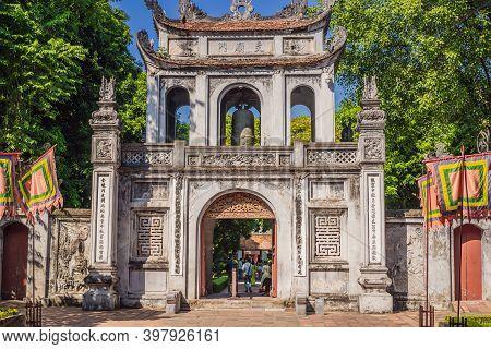 10.10.20 Hanoi, Vietnam: Temple Of Literature In Hanoi In Southeast Asia, Vietnam. Temple Of Confuci