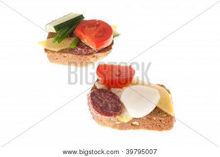 Bread With Sausage And Vegetables