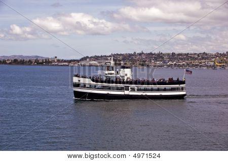 Cruising San Diego Harbor
