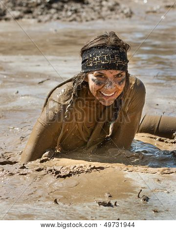 Boise, Idaho/usa - August 25 -  Unidentified Woman Smiles At The Camera While She Runs The Dirty Das