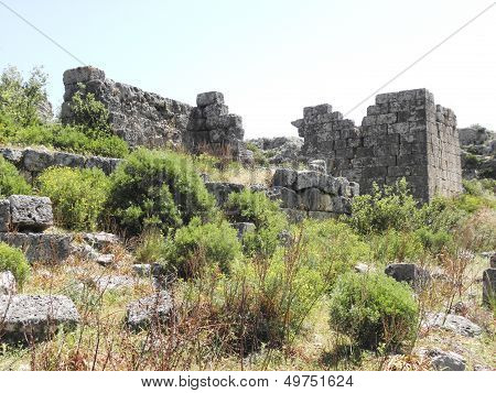 Walls of stone in the ancient city Sillyon