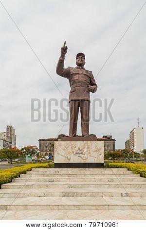 Statue Of Samora Moisés Machel At Independence  Square