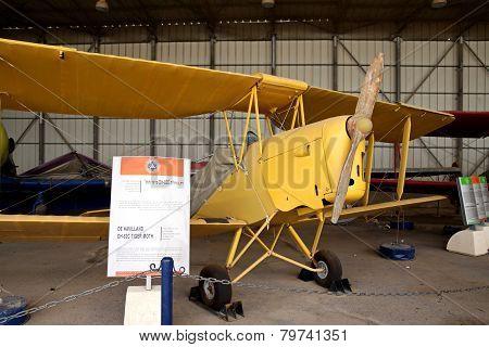 Biplane De Havilland Dh-82C Tiger Moth