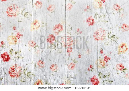 Painting Wood Roses Pattern