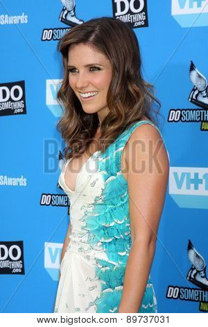 LOS ANGELES - JUL 31:  Sophia Bush arrives at the 2013 Do Something Awards at the Avalon on July 31, 2013 in Los Angeles, CA