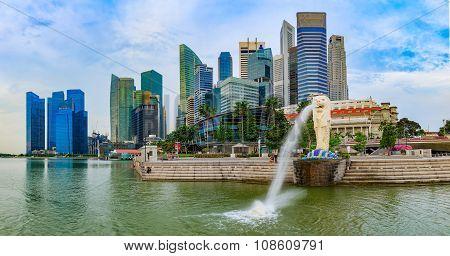 SINGAPORE MERLION ON SUNRISE