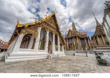 Hor Phra Monthian Dharma Temple And Prasat Phra  Dhepbidorn