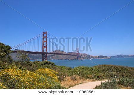 Golden Gate Bridge with promenade