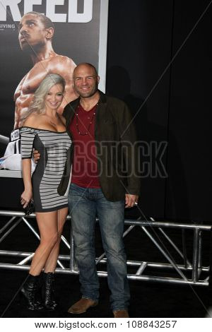 LOS ANGELES - NOV 19:  Mindy Robinson, Randy Couture at the