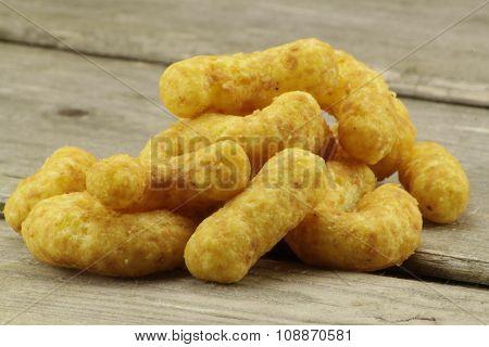 Heap nibbles peanut flips