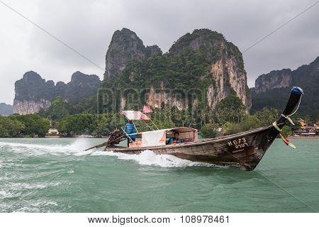 Railay Beach, Thailand - Circa September 2015: Boat Sails In The Railay Beach,  Thailand