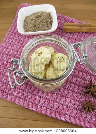 Button cookies with fleur de sel, spices and white chocolate