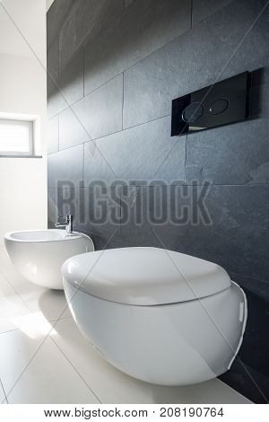 Simplicity In Bathroom Decoration