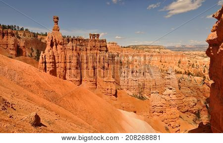 Orange Cliff and Hoodoos in Bryce Canyon
