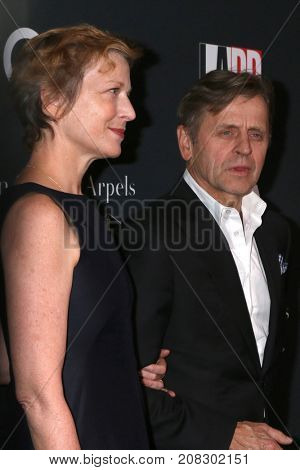 LOS ANGELES - OCT 7:  Lisa Rinehart, Mikhail Baryshnikov at the 2017 Los Angeles Dance Project Gala at the LA Dance Project on October 7, 2017 in Los Angeles, CA