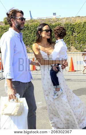 LOS ANGELES - OCT 8:  Andrew Form, Jordana Brewster, Julian Form Brewster at the P.S. ARTS' Express Yourself 2017 at the Barker Hanger on October 8, 2017 in Santa Monica, CA