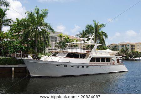 Vintage White Yacht