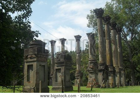 Windsor Columns