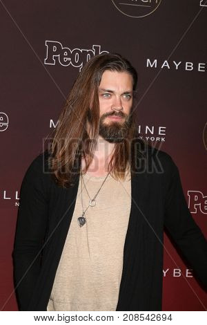 LOS ANGELES - OCT 4:  Tom Payne at the People's Ones To Watch Party at the NeueHouse Hollywood on October 4, 2017 in Los Angeles, CA