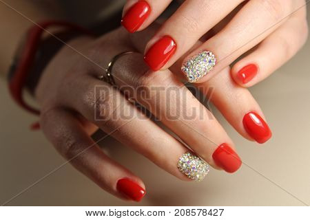Manicure Design Red Nails With Rhinestones