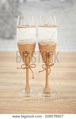 Wedding Glasses Decorated With Cord, Beautiful Decorated Wedding Glasses, Flowers On Wedding Glasses