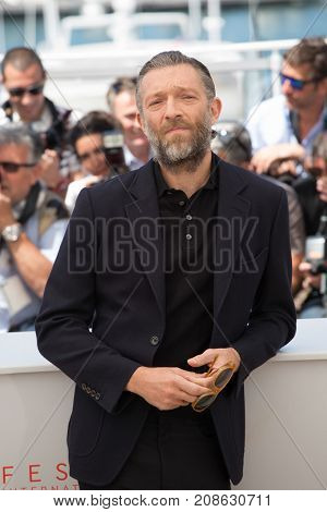 CANNES, FRANCE - MAY 19, 2016: Vincent Cassel attends the 'It's Only The End Of The World (Juste La Fin Du Monde)'  photocall. 69th annual Cannes Film Festival at the Palais des Festivals