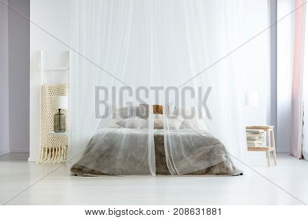 King-size Bed Under Canopy