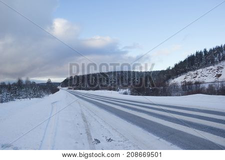 Federal highway M-5 Urals . The route connects the European and Asian parts of Russia. Winter in the Urals