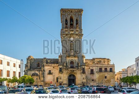 ARCOS DE LA FRONTERA,SPAIN - SEPTEMBER 30,2017 - View at the church of Santa Maria in Arcos de la Frontera. Arcos de la Frontera is a town and municipality in the Sierra de Cadiz.