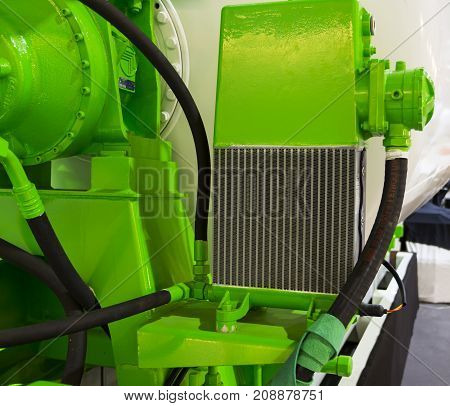 Radiator for cooling of concrete mixing drum ; close up