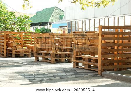 Outdoor cafe with furniture made of secondary raw materials