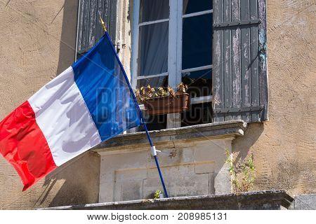 Flag Of France (french: Drapeau Français) Is A Tricolour Flag Featuring Three Vertical Bands Coloure
