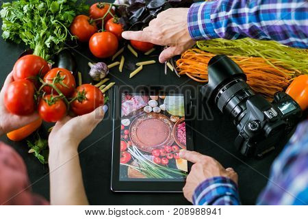 mobile food photography advertisment photo e-commerce technology concept
