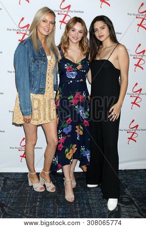 LOS ANGELES - JUN 23:  Melissa Ordway, Hunter King, Sasha Calle at the Young and The Restless Fan Club Luncheon at the Marriott Burbank Convention Center on June 23, 2019 in Burbank, CA