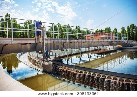 Modern Urban Wastewater And Sewage Treatment Plant With Aeration Tanks, Industrial Water Recycling A