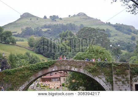 Beautiful Roman Bridge That Really Was Built In The 16th Century By Bartolome De La Hermosa In The B
