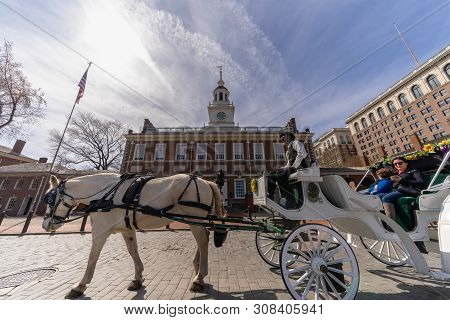 Philadelphia, Pennsylvania, Usa - Mar 2019 : Undefined Horse Rider For Tourist Riding In Front Of In
