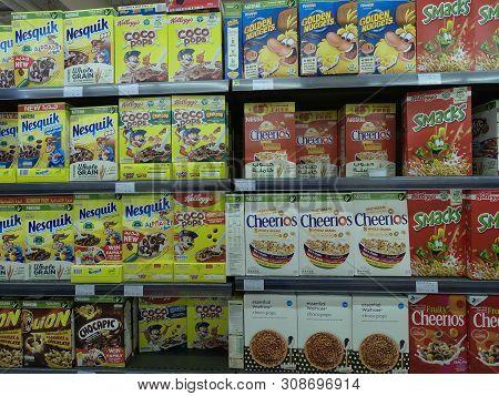 Dubai Uae - May 2019: Golden Nuggets, Cheerios,smacks, Nesquik, Coco Pops, Kids Cereal Breakfast Foo