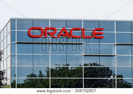 Deerfield - Circa June 2019: Oracle Corporation Location. Oracle Offers Technology And Cloud Based S